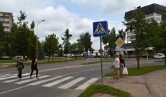 Per gatvę – lyg lauko keliuku