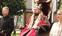 Karališka rokiškėnų diena prabėgo aikštėje ir prie Rokiškio dvaro