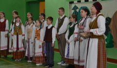 Alizaviečiai rudens atostogų išėjo smagia folkloro švente