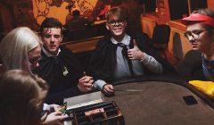 Rokiškio stalo žaidimų klubas Helovynui skyrė visą naktį