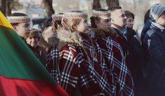 Paminėti Sausio 13-ąją anykštėnai renkasi prie paminklo Laisvei
