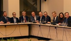 Lietuvos valstybės 100-mečiui – grąžinti po 100 emigrantų kiekvienai savivaldybei