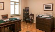 Kupiškio meno mokyklos auklėtiniai nepraleido progos pamatyti žymųjį Lietuvos dokumentą
