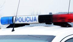 Policijos suvestinė: sudegė Anykščių rajono PK vyriausiajam patruliui priklausantis automobilis