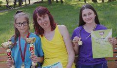 Moksleivės bėgikės Kupiškiui parvežė pirmų vietų auksą