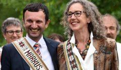 Bad Kotztinge rokiškėnai savo partnerius papuošė tautinėmis juostomis