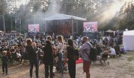 """Į Anykščius vėl sukvietė bardų festivalis """"Purpurinis vakaras"""""""