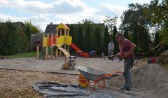 Kol kas rajone tik Subačiaus vaikų lopšelis-darželis turės dirbtinės dangos aikštelę
