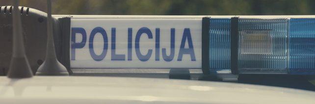 Policijos suvestinė: pagrobė pinigus ir pabėgo palikusi prekes