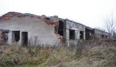 Trumpai: kupiškėnai likvidavo dalį rajono griūvančių fermų ir sandėlių