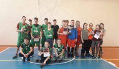 Kupiškio rajono moksleivių krepšinio rungtynių taurės įteiktos skapiškietėms ir noriūniečiams