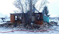 Trumpai: ugnis suniokojo Buivėnų kaimo medinį namą