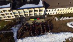 """Trumpai: Juodupės gimnazistų """"Flashmob'as"""" – Vasario-16-ajai"""