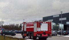 Trumpai: ko į minkštų baldų gamyklos kiemą suka gaisrinės mašinos?