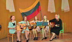 Alizaviečiai Kovo 11-ąją paminėjo dainomis, varžybomis ir paroda