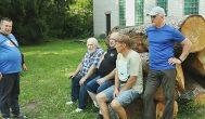 Trumpai: Adomynę papuoš medžio drožėjų plenero darbai