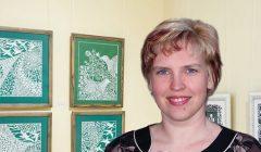 Trumpai: Obelių krašto garbės piliečio titulas – pedagogei, karpinių meistrei Gitai Kolosovienei