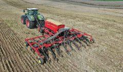 Kalvių kaimo ūkyje žieminių kviečių sėja eina į pabaigą