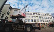 Ant L. Stuokos-Gucevičiaus gimnazijos stogo prasidėjo saulės elektrinės statyba