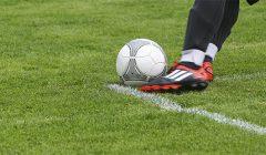 Rokiškėnai planuoja futbolo aikštyno rekonstrukciją: saulė leisis tiesiai į vartus